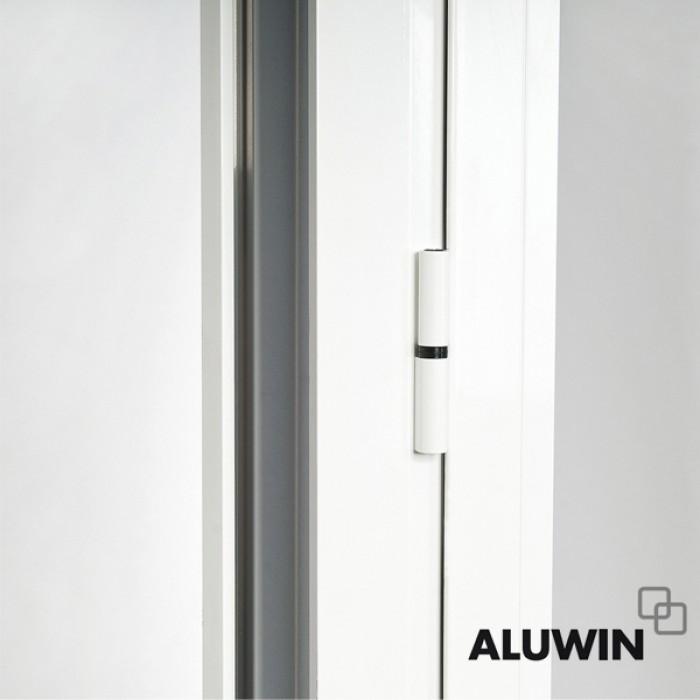 Puerta abatible una hoja con persiana ventanas tipo for Ventanas de aluminio con persiana baratas